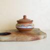 маленький глиняный горшочек