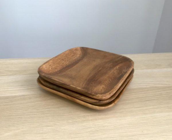 Тарелка из гевеи (20х20х2,5 см)